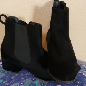 Lane Bryant velveteen booties size 10W